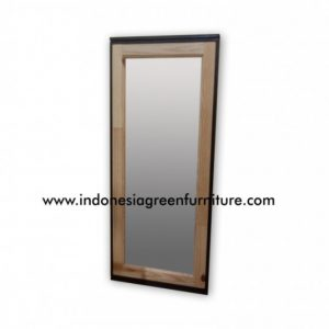 Scania Mirror Reclaimed Pine