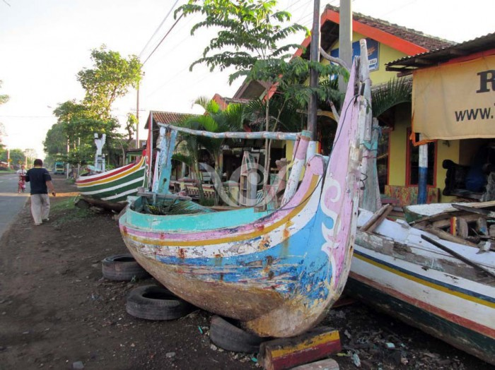 waste sources reclaimed boat wood